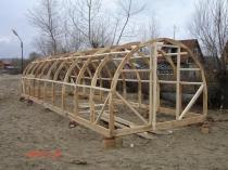 Готовый деревянный каркас для арочной теплицы