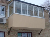Пример самодельного балкона на втором этаже