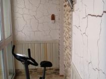 Штукатурка техники кракелюр в отделке стен балкона