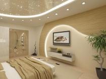 Навесной потолок с подсветкой в бежевой спальне