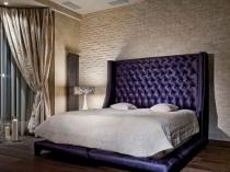 Штукатурка под кирпич в декорировании спальни