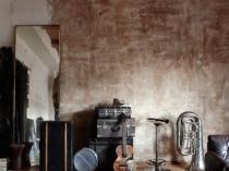 Декорирование стен штукатуркой под старину