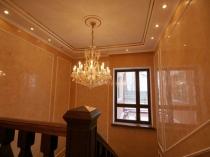Глянцевая венецианская штукатурка для оформления стен коридора