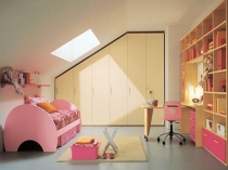 Комната для девочки на мансардном этаже