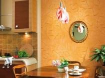 Отделка стен кухни рельефной штукатуркой