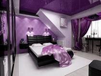 Комбинирование разных оттенков фиолетового цвета в дизайне спальни