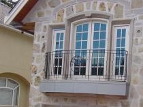 Фрнцузский балкон в частном доме