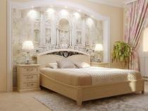 Декорирование спальни гипсовой штукатуркой и фреской