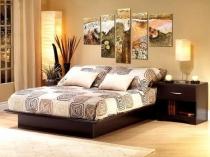 Идея для создания художественной композиции для декора стены спальни