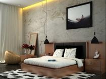 Обои под мрамор и подсветка стены у кровати в интерьере спальни
