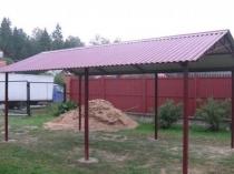 Двухскатная конструкция крыши для металлического навеса