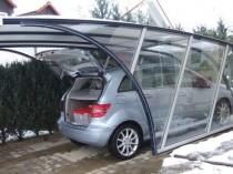 Красивый современный навес из поликарбоната для авто