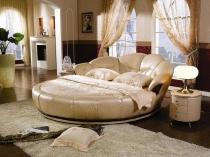 Круглая кровать в форме морской ракушки для просторной спальни