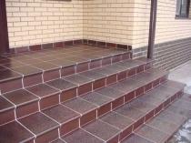 Отделка бетонного крыльца плиткой