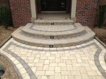 Оформление крыльца дома тротуарной плиткой