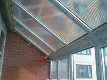 Стеклянная крыша для балкона
