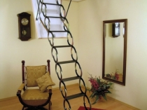 Мансардная складная лестница