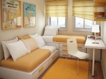Вместительная мебель с выдвижными ящиками для маленькой спальни