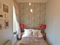 Компактная мебель в маленькой спальне