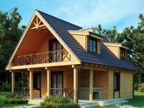 Балкон мансарды на деревянных опорах