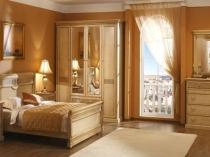 Комплект мебели из массива дуба для спальни