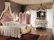 Бело-розовая мебель с позолотой в стиле барокко для спальни