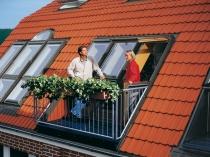 окно-балкон в мансардной крыше