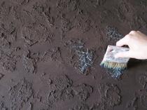 Окраска рельефной поверхности декоративной штукатурки