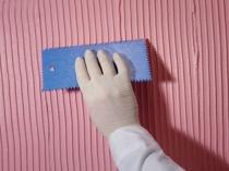Зубчатый шпатель для нанесения декоративной штукатурки