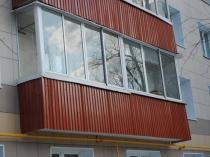 Балкон отделанный профлистом