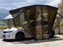 Компактная конструкция навеса из металла и поликарбоната для авто
