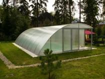 Ассиметричный навес из поликарбоната для дачного бассейна