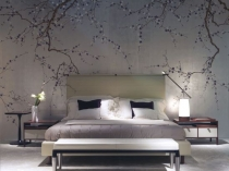Серые с крупным растительным принтом обои в японском стиле спальни