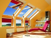 красивое обустройство мансардной комнаты