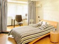 Единый стиль лоджии и спальни