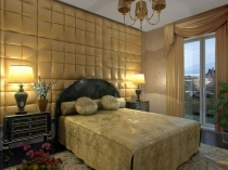 Мягкие объемные стеновые панели в отделке стены спальни