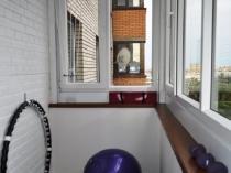 Спортивный уголок на балконе