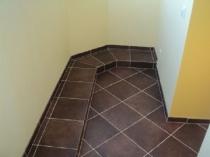 Плитка на полу лоджии