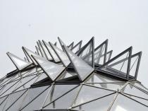 Система форточек для проветривания теплицы шарообразной формы
