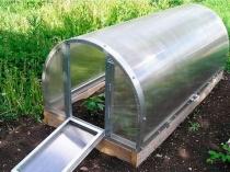 Откидная форточка-дверь для проветривания мини-теплицы