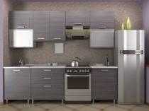 Серые с неброским рисунком обои в монохромной кухне
