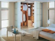 Угловой шкаф-гардеробная для спальни