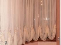 Короткие занавески на балконе