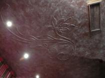 Лепнина на оштукатуренном потолке