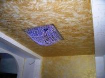 Декорирование потолка венецианской штукатуркой