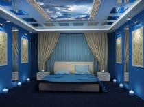 Синяя спальня с небесным потолком из гипсокартона