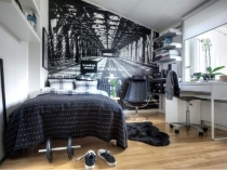 Фотообои в маленькой спальне со скошенным потолком