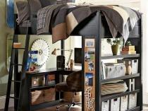 Шкаф-кровать с местом для учебы в спальне мальчика
