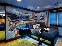 Оформление стены фотообоями в спальне мальчика-подростка