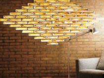 Декоративная вставка из стеклоблоков в кирпичной стене